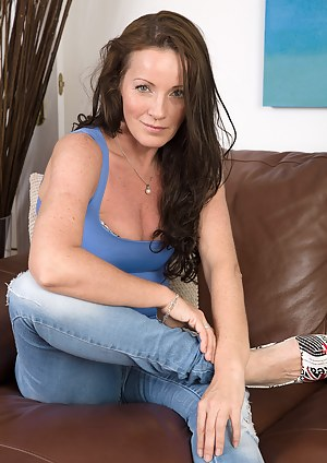 Free MILF Porn Pictures
