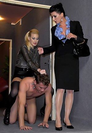 Free Femdom Porn Pictures